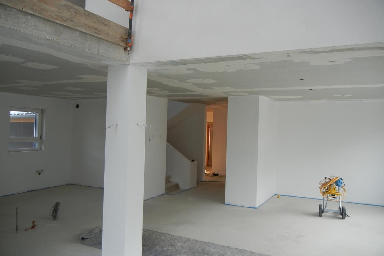 malerarbeiten innen weisse w nde baublog wir bauen unser massivhaus. Black Bedroom Furniture Sets. Home Design Ideas